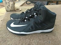 Nike shoes size 7 Y Clinton, 73601