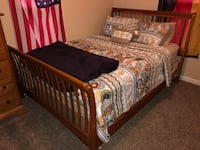 Queen size bedroom set New Windsor, 21776