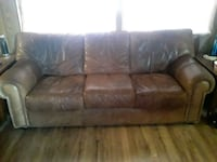Leather couch Smyrna, 37167