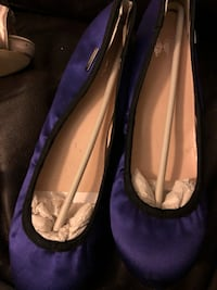 pair of purple suede flats 43 km