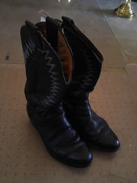 Leather Cowboy boots size 7 1/2 Lethbridge