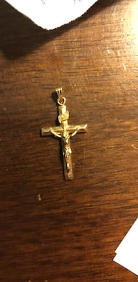 10 k solid yellow gold Crucifix pendant. 1 gram Centreville, 20120