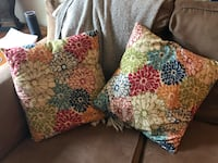 Set of two floral accent pillows Bethlehem, 18018