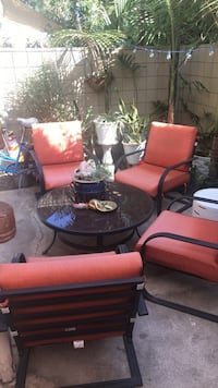 Patio set with table. Less than 1 year old Costa Mesa, 92627