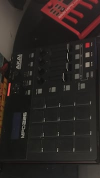 black AKAI MPD225 Launch padf