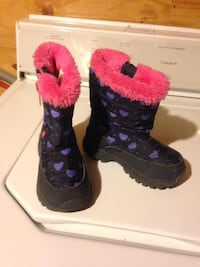 Pair of black-and-purple boots size 8 kids  Winnipeg, R2K 4A1