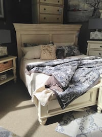 Beautiful Bedroom Set With King Bed Frame, Two Nightstands, and Dresser Fairfax, 22031