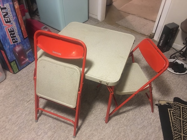 Awe Inspiring Very Old Samsonite Kids Table And Two Folding Chairs Cjindustries Chair Design For Home Cjindustriesco