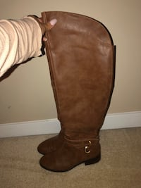 Size 6 - Brown Aldo Boots (never worn)