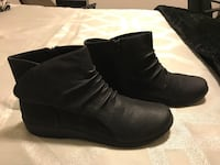 Women's 'cloudsteppers' by clarks shoes -black  size 11m - cushion insoles - side zipper. . brand new, never worn