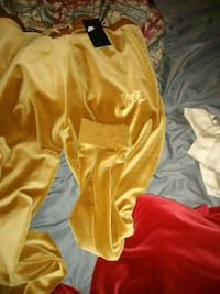 yellow and white Nike jersey shirt and shorts Memphis