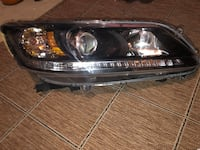 Front light right side Honda Accord 2013 excellent condition. Newark, 19702