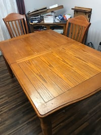 Dining room table with 6 chairs and leaf extension. Gwynn Oak, 21207