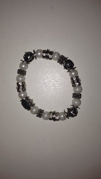 beaded white and silver-colored charm bracelet Calgary, T1Y