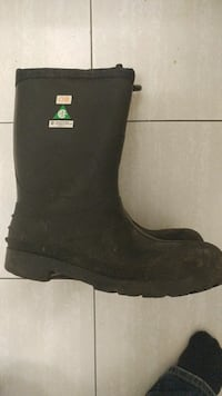 Size 12 steel toe insulated rubber boot