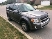 MUST SEE! 2009 Ford Escape Limited, V6, AWD Versailles