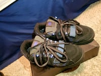 pair of black-and-gray hiking shoes Shepherdstown, 25443