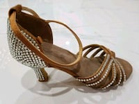 Salsa Dance Shoes with rhinestones, size 6 Queens