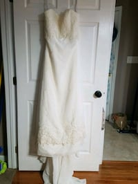 90.00 New Wedding gown with beading church length train with shawl  Fairfield, 17320