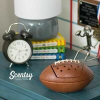 brown Scentsy football scented candle Brampton, L6X 2W6