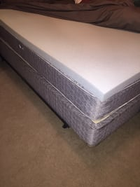 Gray and white floral mattress Bradenton, 34205