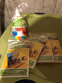 Unopened Sesame Street party hats and 4 packages of thank you notes Methuen, 01844