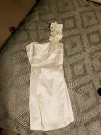 One shoulder strap white dress (size 5/6) Brampton, L6Z 4H8