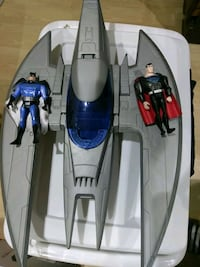 Batman and Superman Action Figures + Bat Plane Vaughan, L4K 2A1