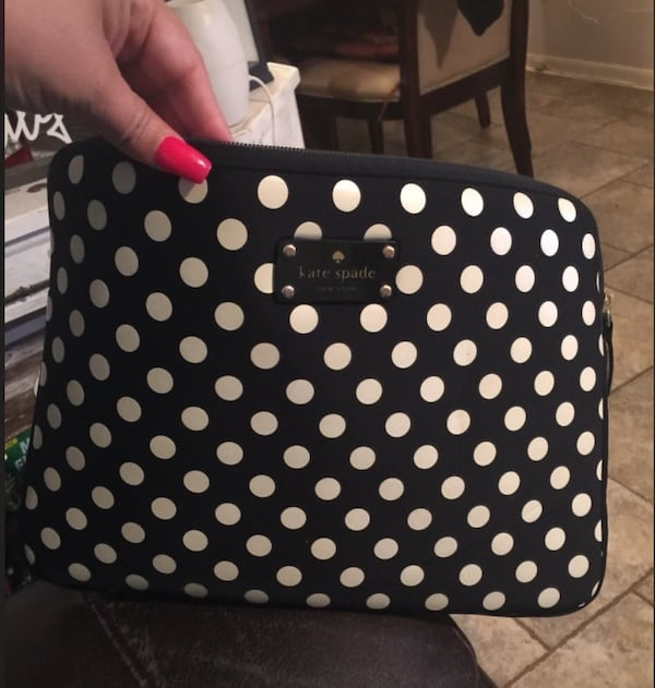 Kate Spade computer sleeve 769aed43-c4f2-4581-a436-22c690f56adc