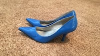 Pair of women's blue pointed-toe pumps Colorado Springs, 80918