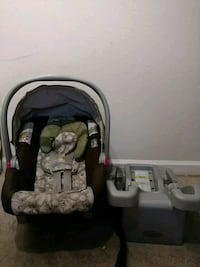 Graco infant car seat 97 mi