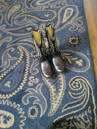 pair of black leather kids boots Los Angeles, 90031