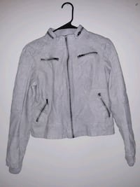 Leather jacket brand new size med can fit a small