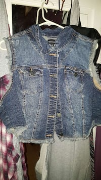 3X denim vest North Las Vegas, 89030