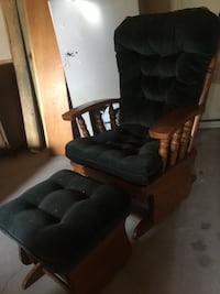 Beautiful rocking chair with stool!! Des Moines, 50310