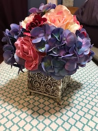 Silk flower arrangement  Phenix City, 36877