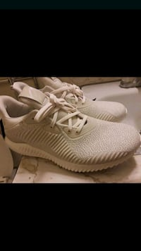 Addidas alpha bounce white shoes  Temple City, 91780