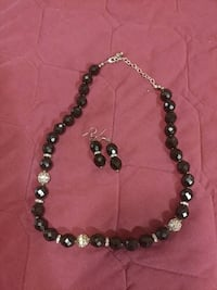 Necklace and ratings set $5 firm Lake Charles