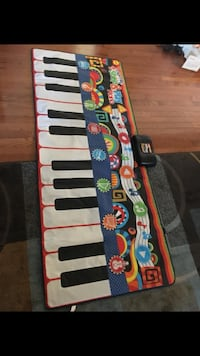 blue, red, and white piano mat Hagerstown, 21740