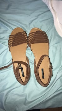 Brown forever 21 cute sandals  Thousand Oaks, 91320