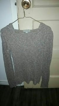 Size small knitted top with hood