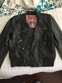 Jacket with zippers  2318 mi