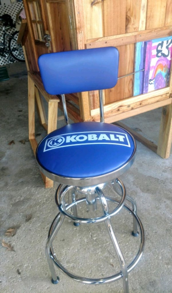 Sold Kobalt Work Stool In Hobart Letgo