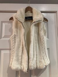 Guess women's white faux fur vest Toronto, M4K 1C8