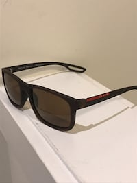 Brand new Prada sunglasses (authentic ) Hamilton, L8J 0H8