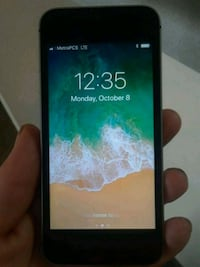 IPhone with service 32 gig Springfield, 97477