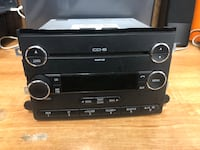 Black Double DIN Ford 6CD AM/FM Stereo