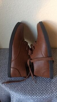 pair of brown leather loafers Bernalillo, 87004