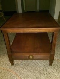 Solid side table Greenville, 29615