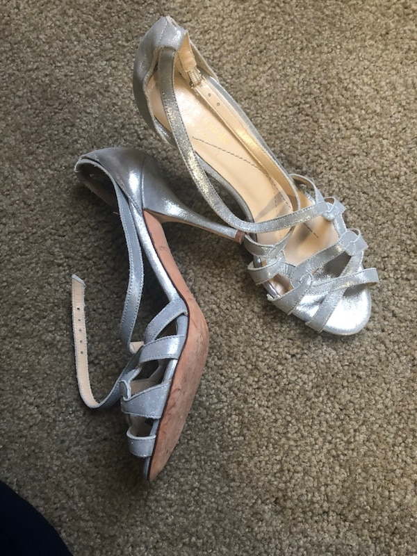 3516eb62eb8 Used Kate Spade New York silver heel shoes size 6 for sale in El Cerrito